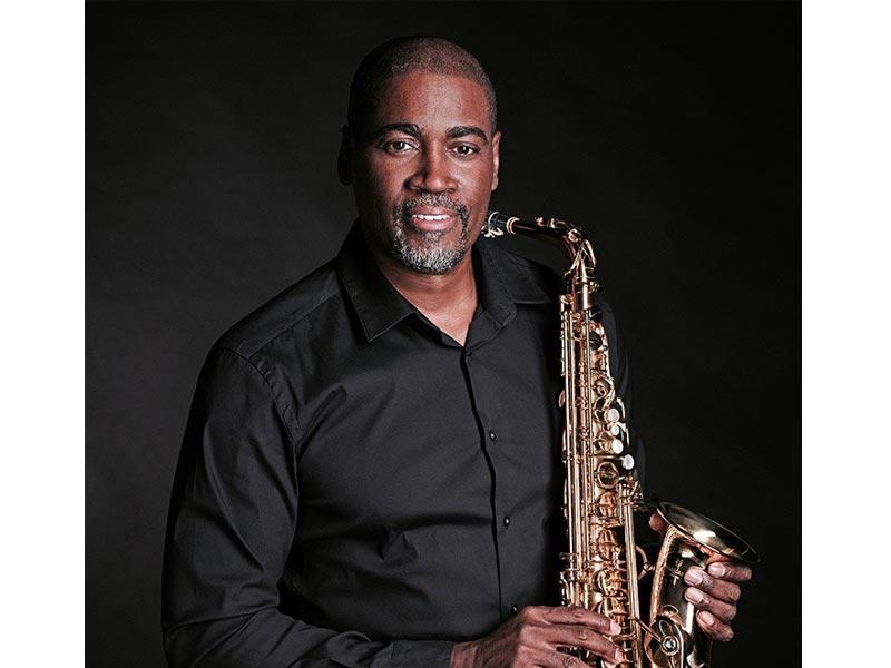 JG Conners - Saxophone & Klarinette